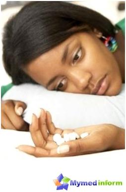 بالنسبة للبعض، يسبب الاكتئاب أن تكون وضعت لالكحول والمخدرات وغيرها ضارة إلى المرافق الصحية. تفاقم الاكتئاب أمر خطير لأن المريض، ومدى كفاية فقدان التفكير النقدي، يمكن أن ينتحر، وغير قادرة على تحمل شحنة من خطورة المرض.