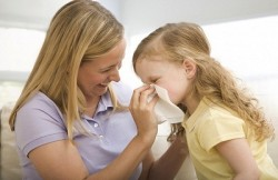traitement du rhume commun, morenazal, nez qui coule, nez qui coule chez les enfants, l'irrigation nasale