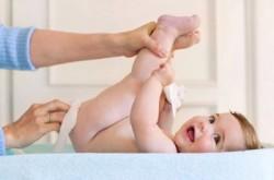 niemowlęta, zatrzymanie stolca, zaparcia, jelita, lewatywa, lewatywa noworodka