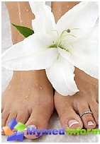 ingrown nail symptoms and treatment