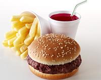 O impacto nocivo de fast food na saúde humana