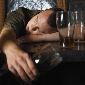 Førstehjelp for alkoholforgiftning