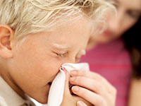 La prevención de la otitis media en niños - aprender a soplar correctamente su nariz