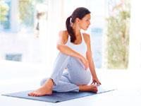 Pharmakotherapie und Gymnastik in der Behandlung von Arthrose Verformen des Kniegelenks
