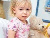 Wie ein Kind die Blinddarmentzündung zu erkennen
