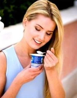 У прве две недеље можете бити, колико желите да једете свежу не-скроб поврће и млечни производи 5 процената масти