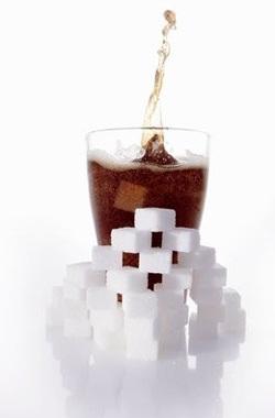 Um componente obrigatório é um softdrinka açúcar