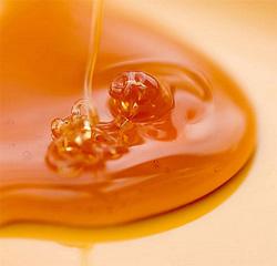 Wenn während einer Buchweizen Ernährung süß wollen, einen Teelöffel Honig in einem Glas Wasser verdünnen und trinken