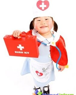 childish-first-aid-set