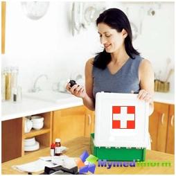 في المنزل حيث يوجد طفل، يجب أن يكون طقم الإسعافات الأولية للأطفال