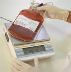 400-500 ml кръв се взимат от един донор наведнъж