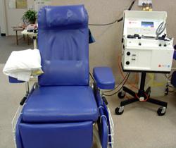 Има специални станции за кръвопреливане за даряване на кръв.