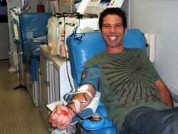 Чувствата по време на даряването са доста индивидуални. Замайване може да възникне при даряване на пълна кръв или червени кръвни клетки. Доставянето на плазма води до лека еуфория.