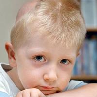 Halten Sie bei einem Kind Ausschau nach Hirn- und Rückenmarkstumoren