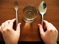 Wie überlebt man das Fasten?