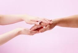 Volksheilmittel gegen Arthrose der Hände: Salben und Reiben