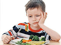 The child does not want to eat anything, what to do?