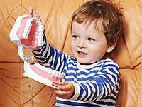 Разберете какво причинява зъбен камък. Неправилна грижа