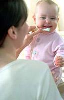 أسئلة متكررة حول أسنان الأطفال