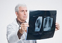 signs of pneumonia in adults