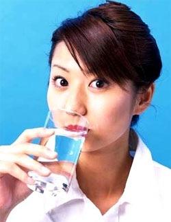 Тако да тело не исцрпљује од жеђи и није се дехидриран током јапанског и било које друге исхране - пиће