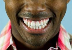 Дъвченето на храна прави зъбите незаменим инструмент в работата на храносмилането, участието в производството на звук играе важна роля за всеки, тъй като прави разбираемата реч възможна