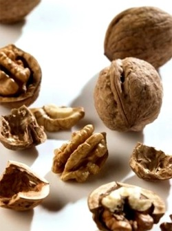 Ядките могат да служат като допълнителна съставка в ястие, придавайки му подправка, както и като независима закуска, която ви позволява да