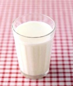 Млякото, както и кисело млечните продукти, са много полезни за организма.